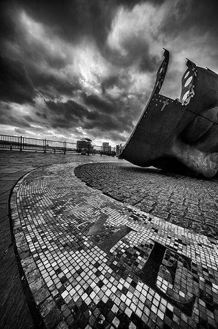 Cardiff War Memorial Sculpture, Cardiiff Bay